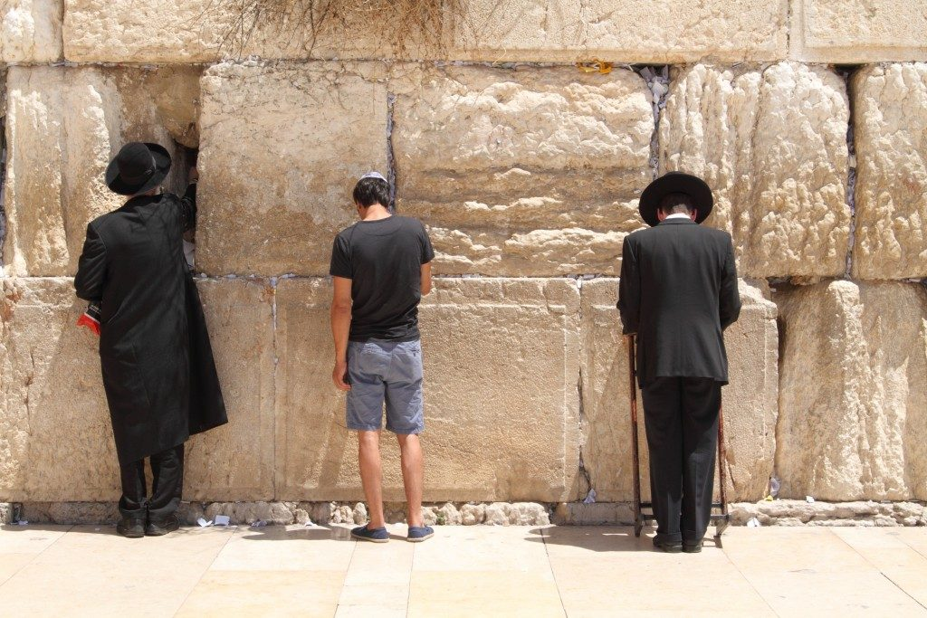 Jew at the wailing wall Jerusalem prayer